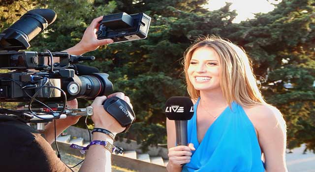 How to be a News Anchor