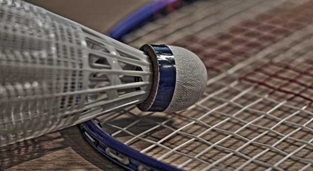 How to Play Badminton Step by Step
