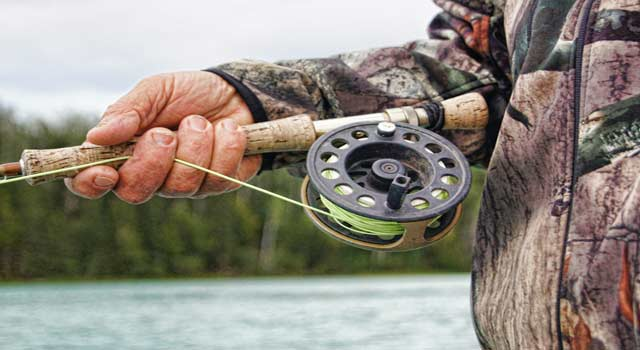 How to Tie a Fishing Knot