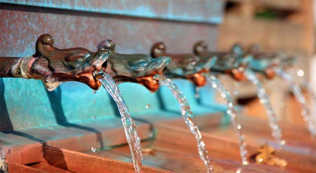 Simple Ways to conserve water and use it effectively