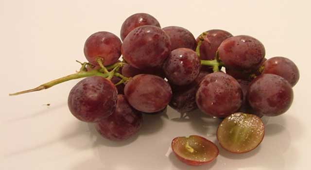 proven health benefits of eating red grapes
