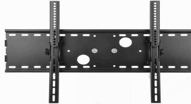 How to Mount a 32 Inch LCD TV on the Wall