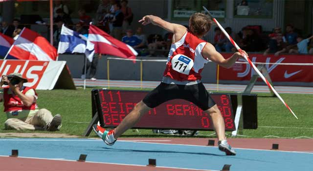 How to Throw Javelin